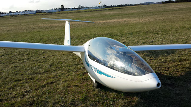 Learn to Fly   Southern Cross Gliding Club